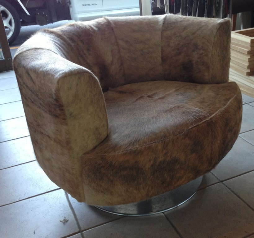 Pacific Furniture Design - Round Swivel Chair